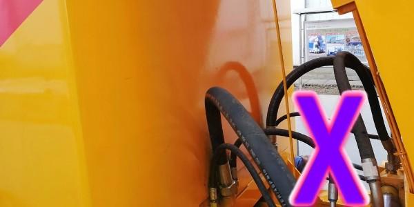 隧道作业与露天作业施工场地下,混凝土泵应当如何确定位置?