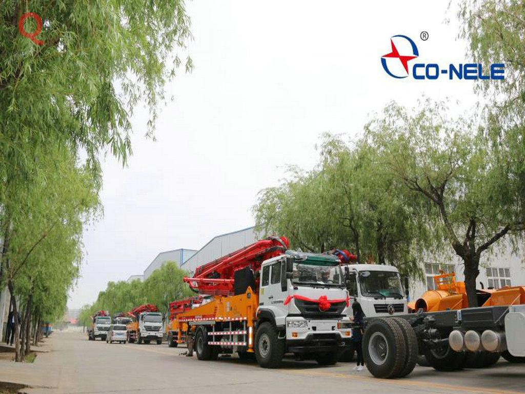 科尼乐小型混凝土泵车,小型泵车,天泵