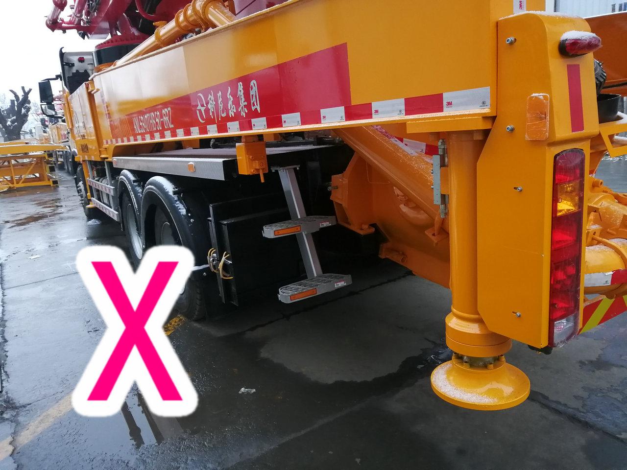 青岛小型混凝土泵车价格 (15)