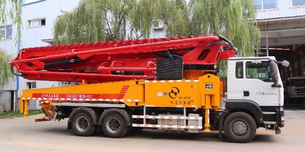 科尼乐 重汽50米(汕德卡)混凝土泵车