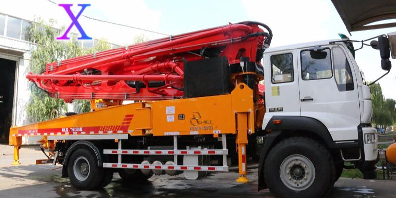 小型混凝土泵车漏浆和搅拌轴故障不要慌,科尼乐来帮忙