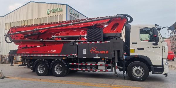 科尼乐豪沃44米泵车