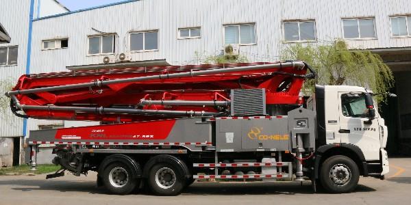 科尼乐豪沃47米泵车