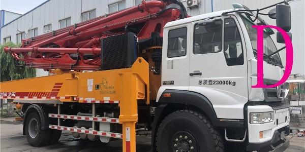 小型混凝土泵车——为城镇建设助力