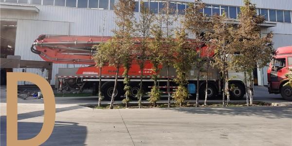 混凝土泵车臂架的展开与旋转防止受损