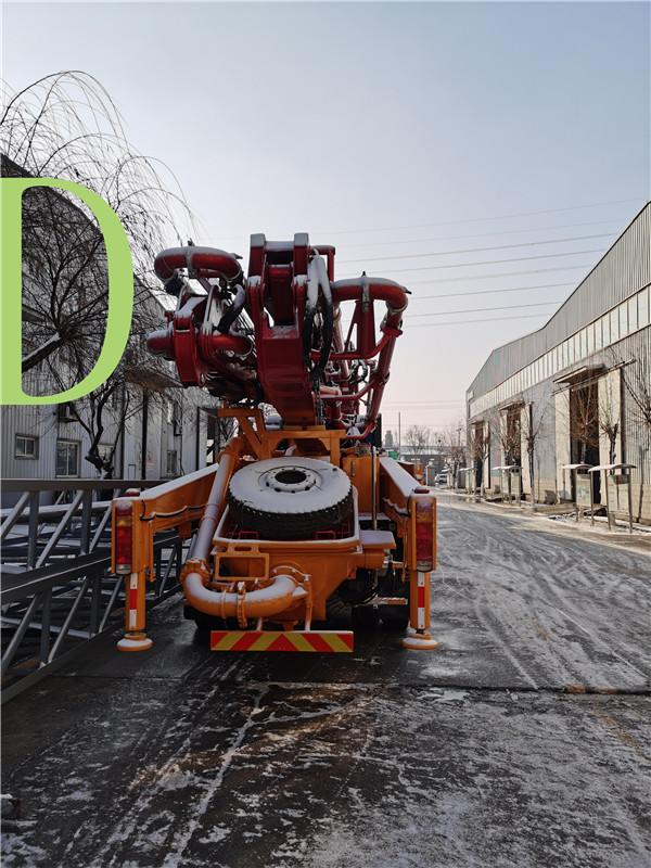 青岛混凝土泵车价格 (2)