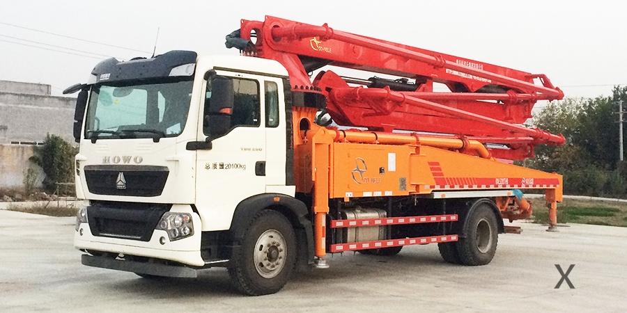 重汽T5G33米混凝土泵车