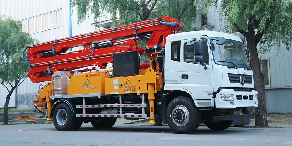 科尼乐 东风随专25米/27米 混凝土泵车