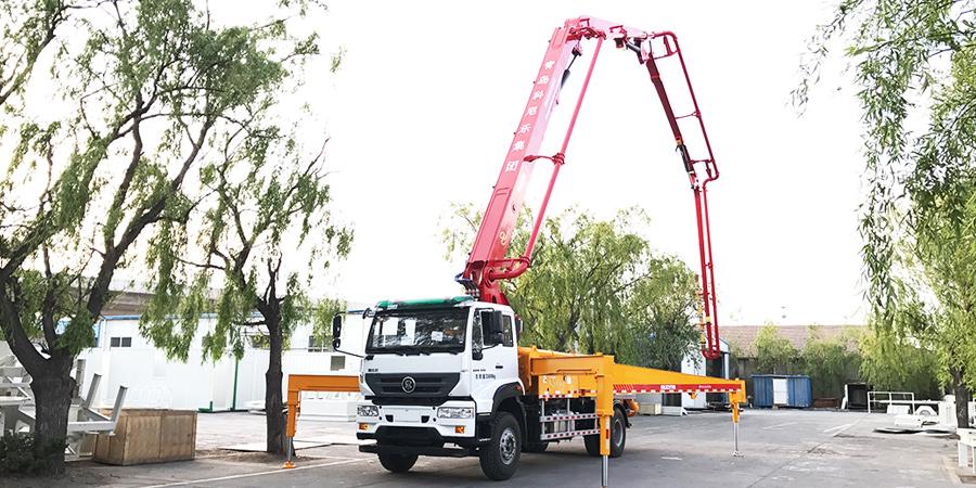 科尼乐 重汽M5G33米 混凝土泵车