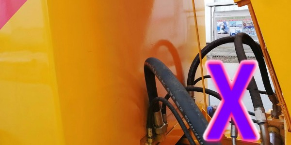 混凝土泵对开式齿轮的润滑周期以及蓄能器异常的解决办法