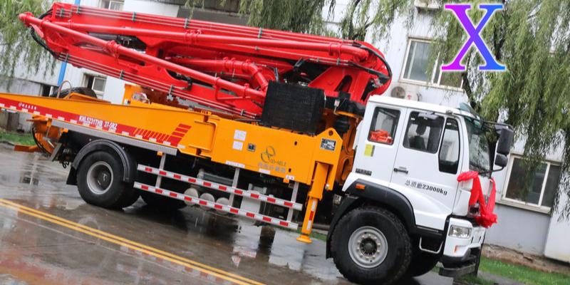 科尼乐小型混凝土泵车施工操作注意事项有哪些