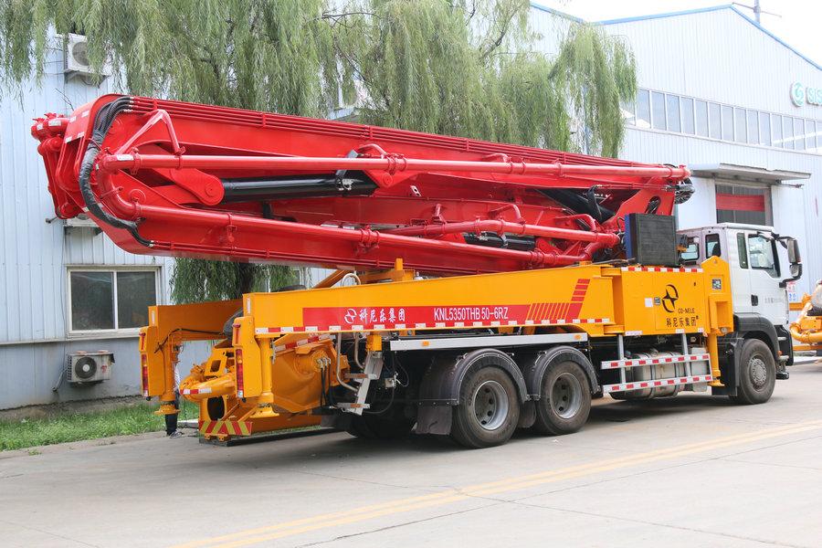 科尼乐 重汽豪沃37米 混凝土泵车